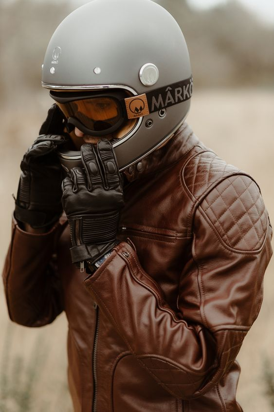 ネオクラシックバイクに似合うヘルメット