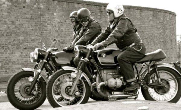旧車にはビンテイジヘルメット
