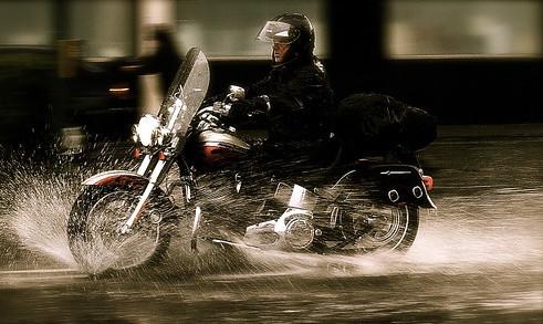 ツーリングでの雨対策