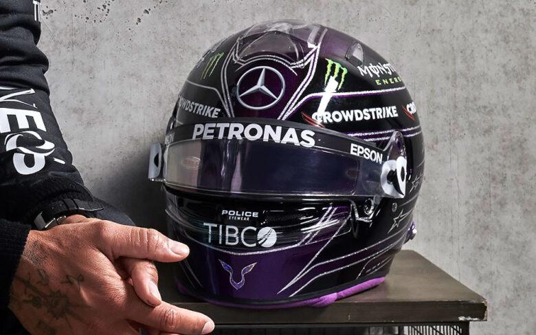 ルイスハミルトン F1 のヘルメットはBELL