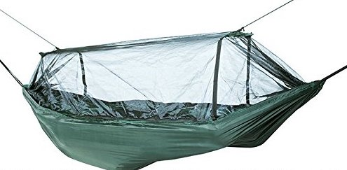 雨の宿泊でハンモックは最強